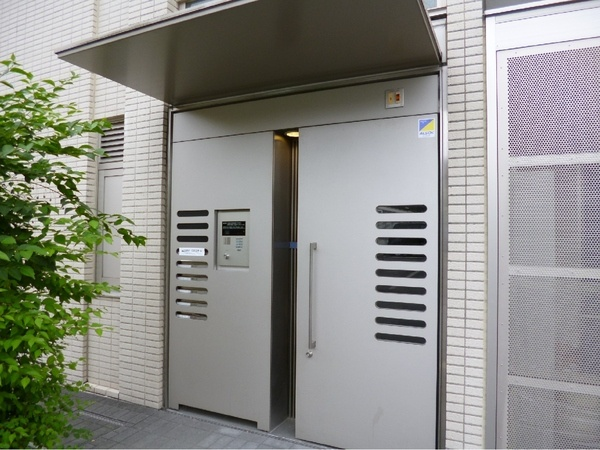 覚王山駅徒歩2分の好立地☆エアコン・床暖房付!